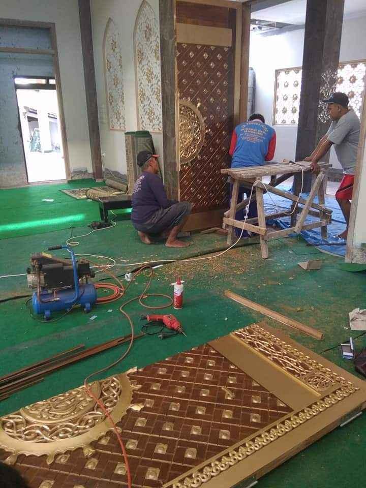 Pemasangan Pintu Nabawi