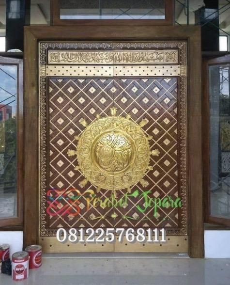 Pintu utama masjid nabawi kayu jati jepara