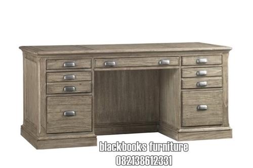 Meja Kerja Direktur Klasik Mewah Koleksi Furniture Jepara
